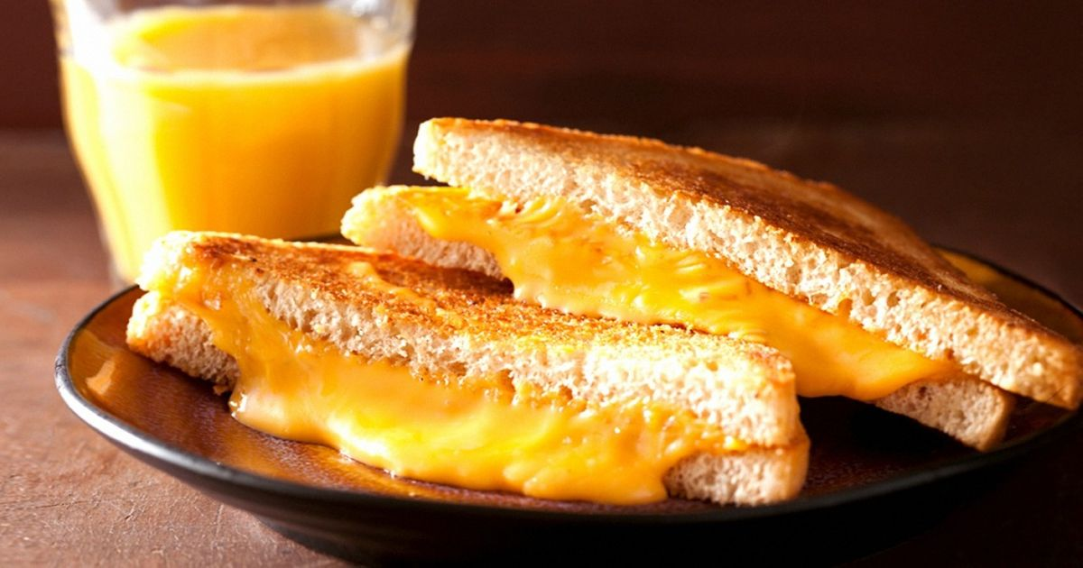 Research Shows That Cheese Lovers Live Longer