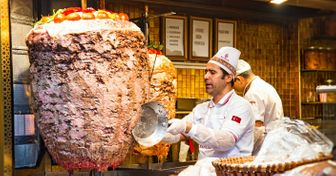 11Authentic Street Foods That People Eat Around the World