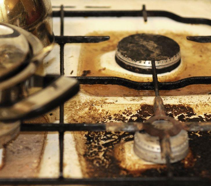 13 gjëra të përditshme që mund të ndezin një zjarr nëse nuk jemi mjaft të kujdesshëm