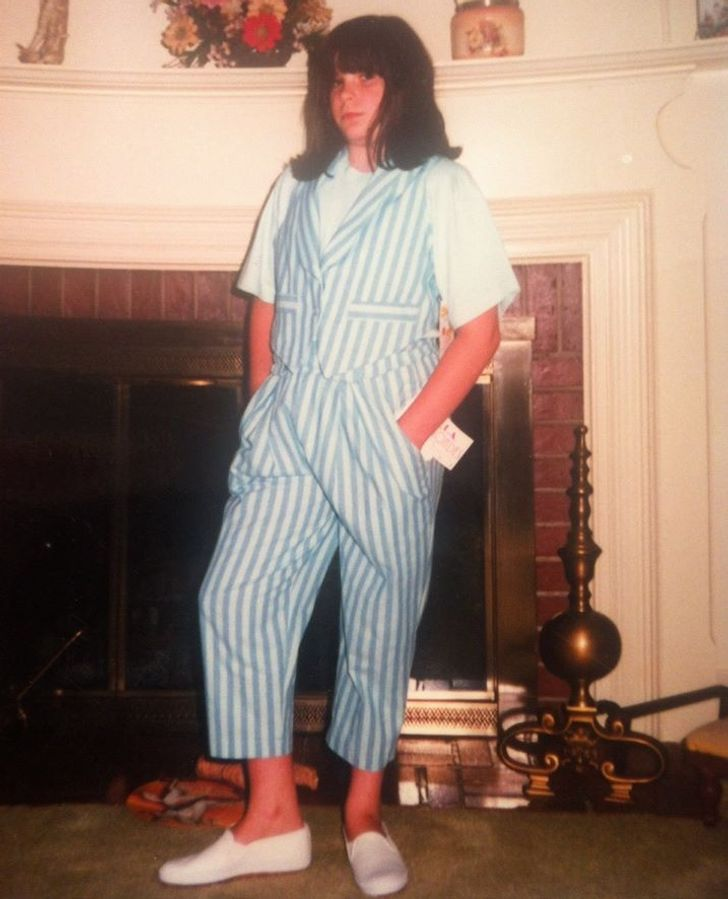 26People Who Can't Stop Laughing When They See Their Old Photos