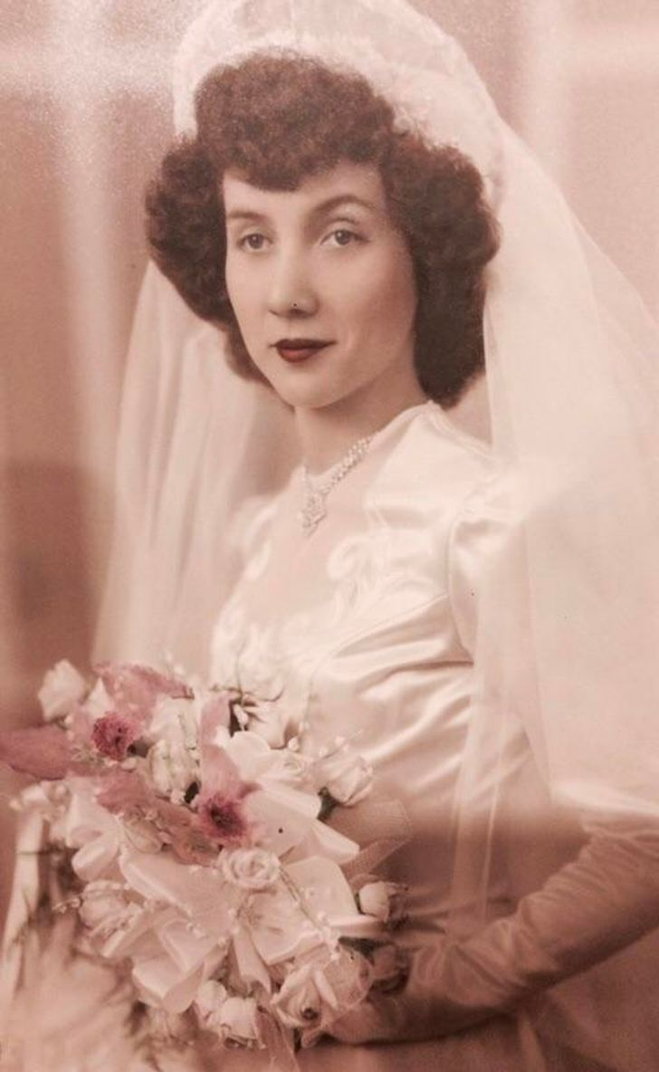 Internet Users Share Their Grandmothers' Wedding Photos, and We Are in Awe of Their Sophisticated Looks