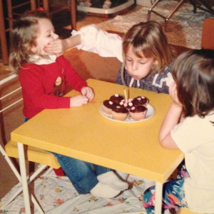 15 Photos That Prove Having a Sibling Is a Game Without Rules
