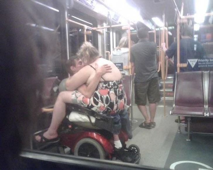 19People Who Surprised UsWith Their Ridiculous Choice ofTransportation