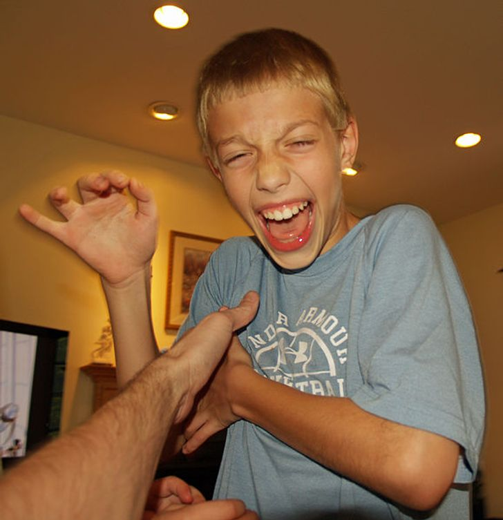 Science Explains Why Tickling Kids Can Be Harmful, and It Turns Out We Don't Know Enough About It