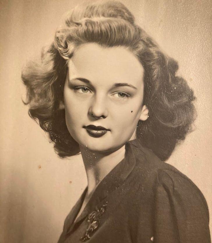 15 Family Pics Where Our Grandmas Look Classy Like Hollywood Starlets
