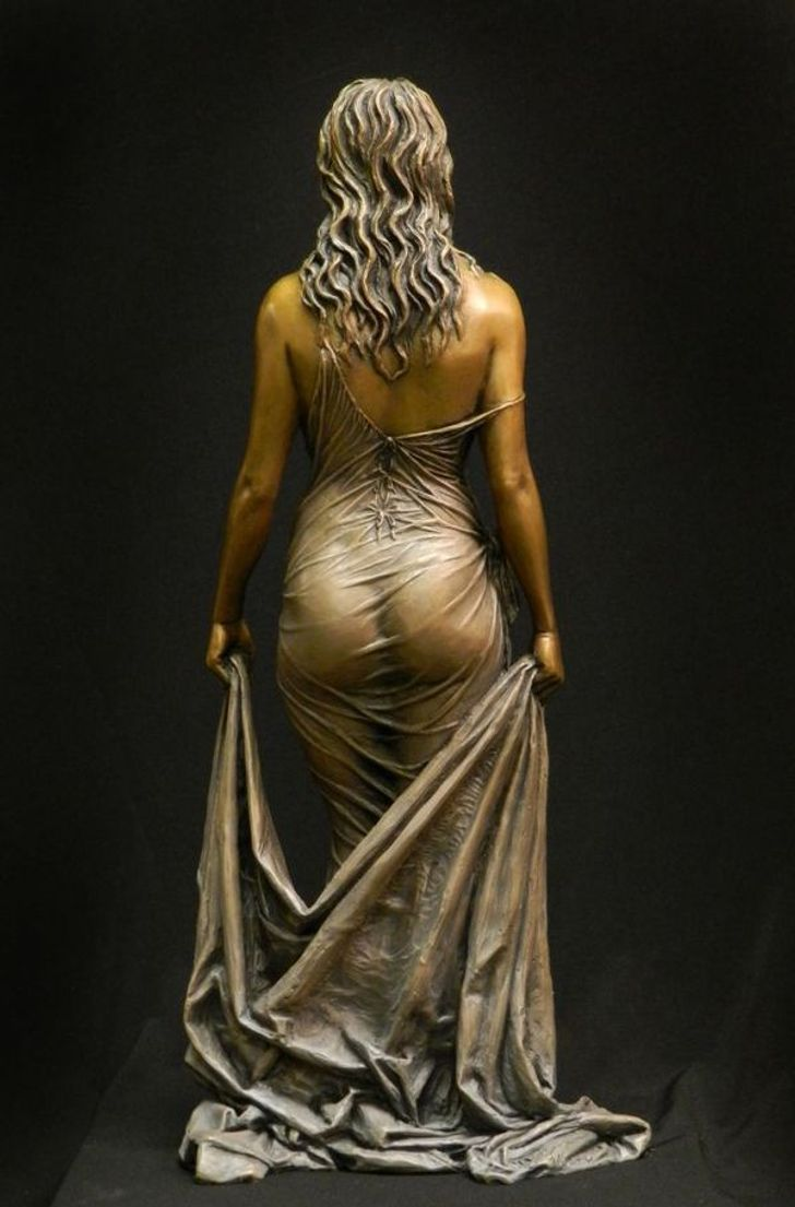 25 Sculptures That Are Too Beautiful for This World