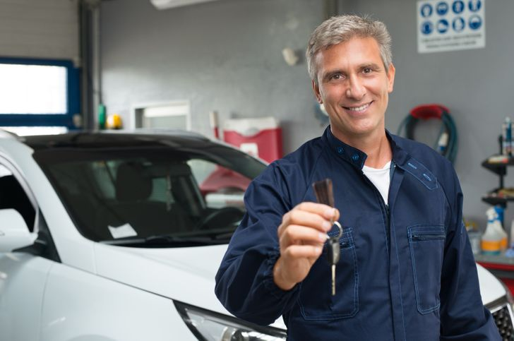 10Methods That Can Help You Open the Car IfYou Locked Your Keys Inside