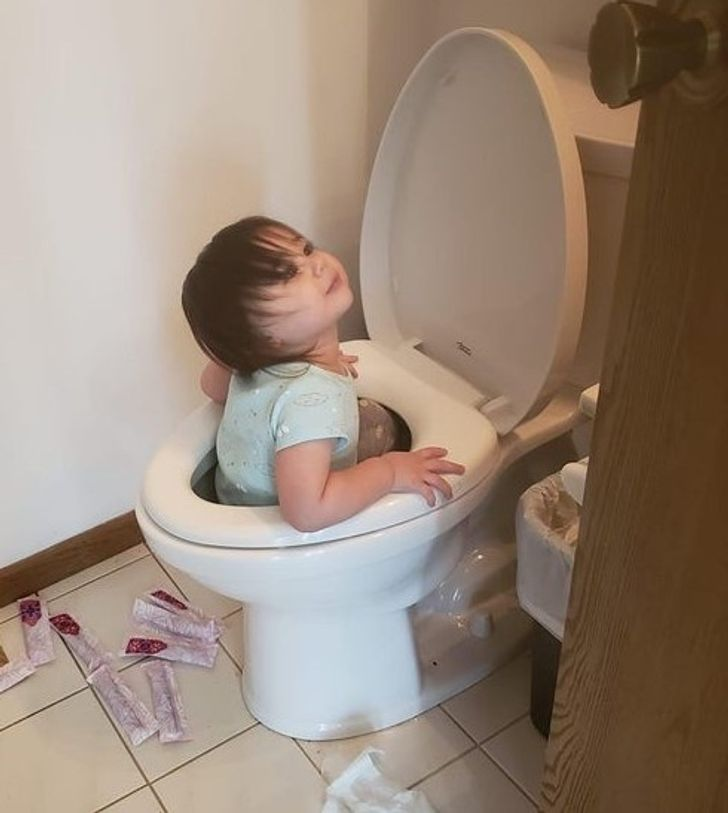 19 Photos Showing That Kids Always Find New Ways of Doing Things