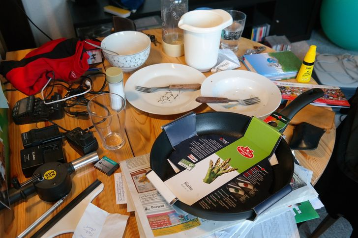 9 Bad Habits That Will Keep Your Home Messy No Matter How Hard You Try to Keep It Clean