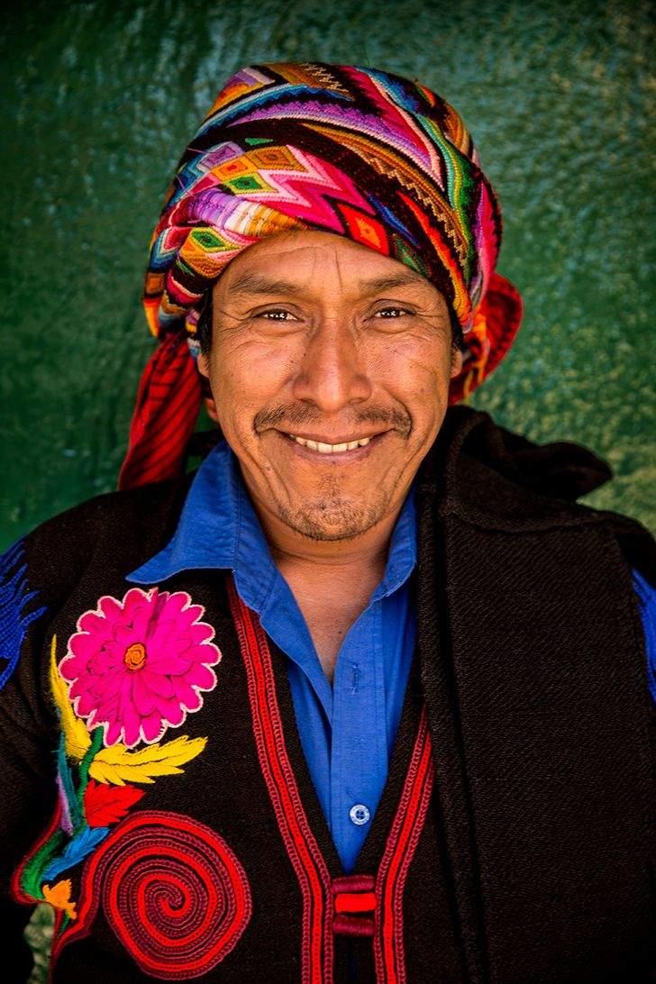 This Photographer Traveled to84Countries toShare the Faces ofPeople Around the World