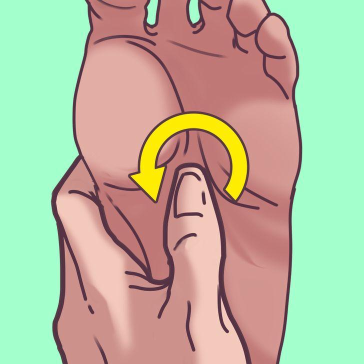 A Reflexologist Shares a 2-Minute Foot Massage That Can Help You Sleep Like a Log