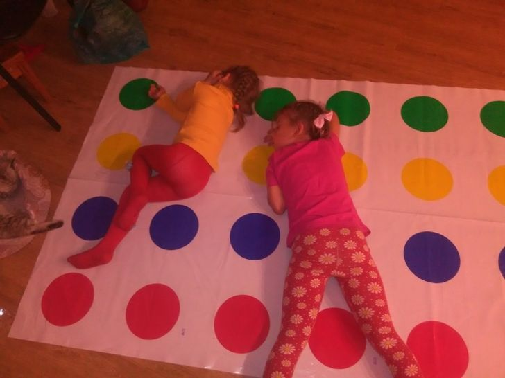 31Children Without Whom Their Parents Would Feel Bored