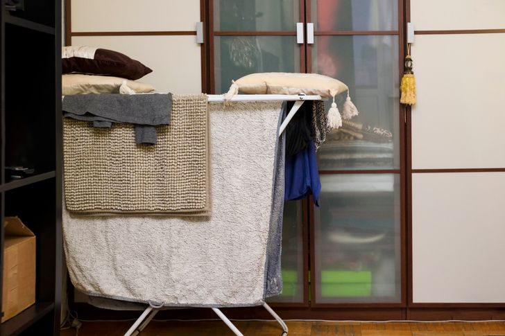 20+ Things That Can Make Any Apartment Look Cheap