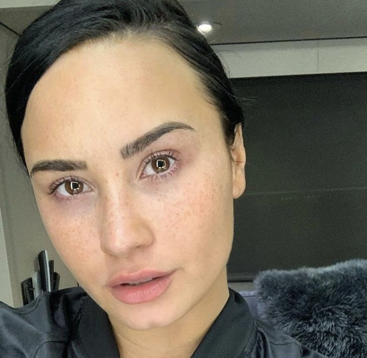 Celebrities Showed Their Faces in a #Nomakeup Challenge, and We Admire Them for It