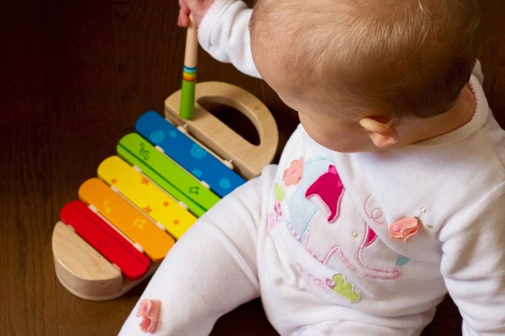 12 Cool Things Adults Had No Idea Babies Could Do