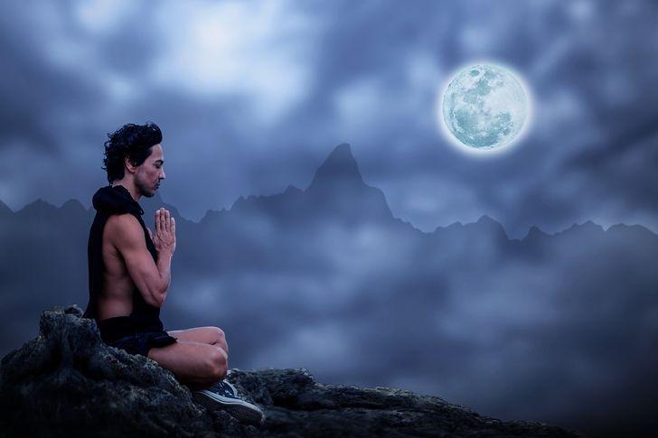 11Unusual Ways toHave aBetter Night's Sleep