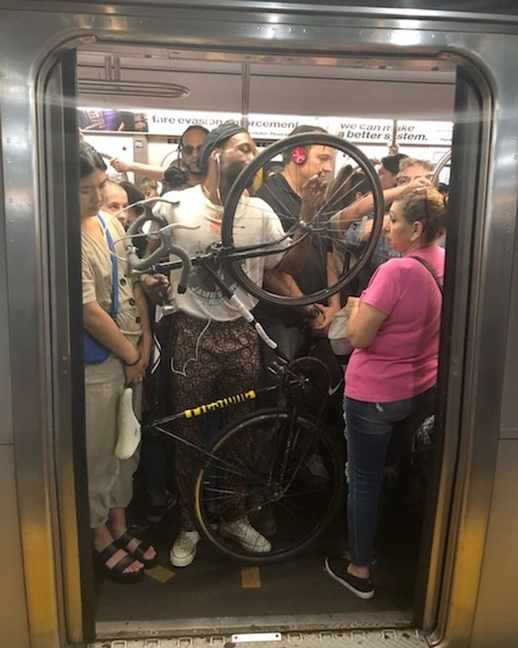 22 Subway Rides People Won't Forget Even If They Want To