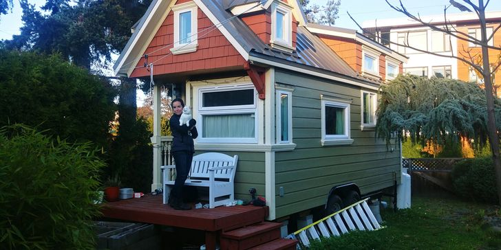 8 People Who Know That a Tiny House Can Become the Sweetest of Homes