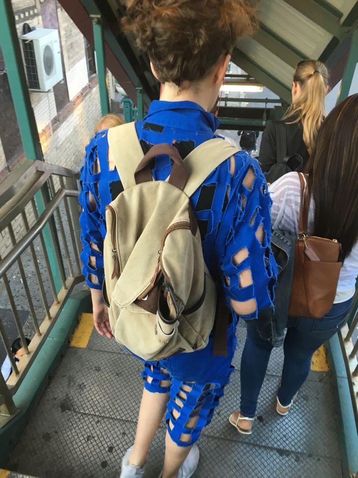 12Epic Examples ofClothing Creativity Where You Don't Know Whether toLaugh orCry