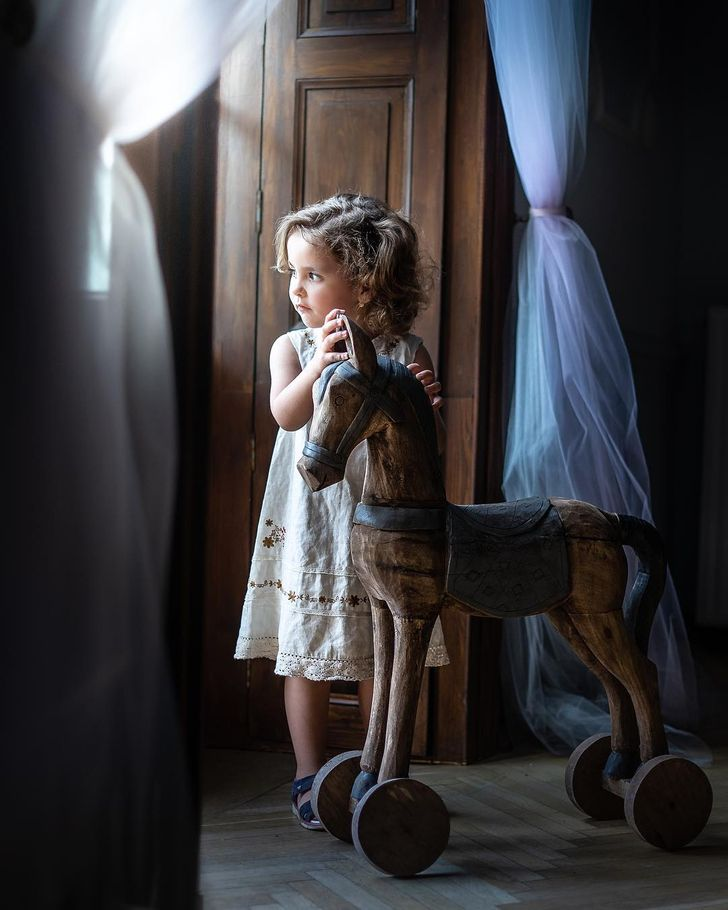 A Photographer Turns Her Kids' Lives Into a Fairytale, and Her Shots Are So Cozy You Feel at Home