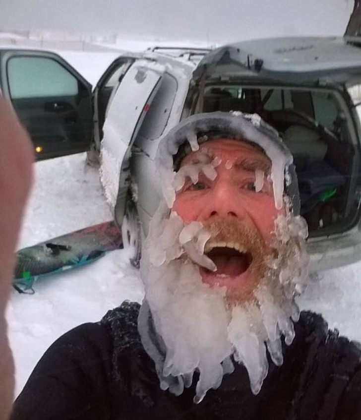 17 Freezing Photos That Prove Winter Is a True Challenge