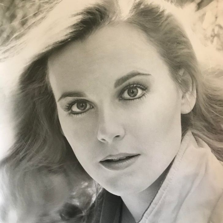 15+ People Share Photos of Their Relatives Whose Beauty Can Outshine That of Celebrities