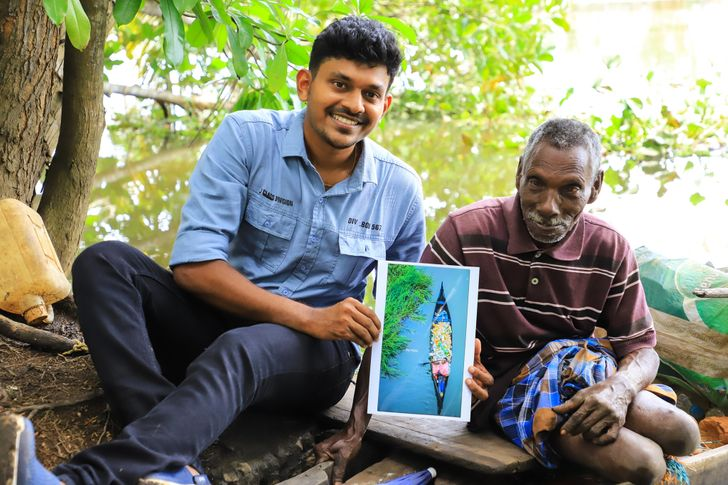 Ochrnutý muž roky čistil plasty od rieky, až kým nebol vírusový, a jeho život sa navždy zmenil
