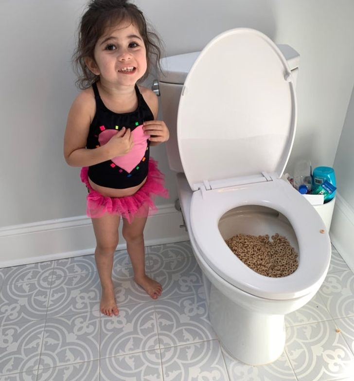 16 Naughty Children Whose Parents Are the Perfect Example of Epic Calmness