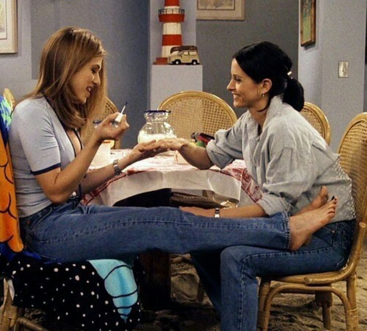 Why Our Best Friends Are Mostly the Ones We Meet in College