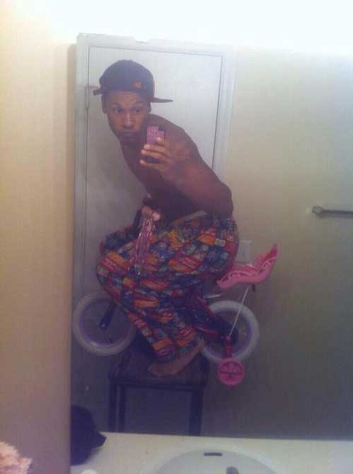 20People Who Took aStrange Selfie, and the Whole Internet Loved It