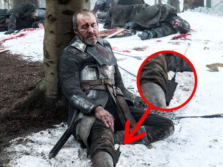 """We've Found 10 More """"Game of Thrones"""" Bloopers That Are Just As Ridiculous As the Starbucks Cup"""