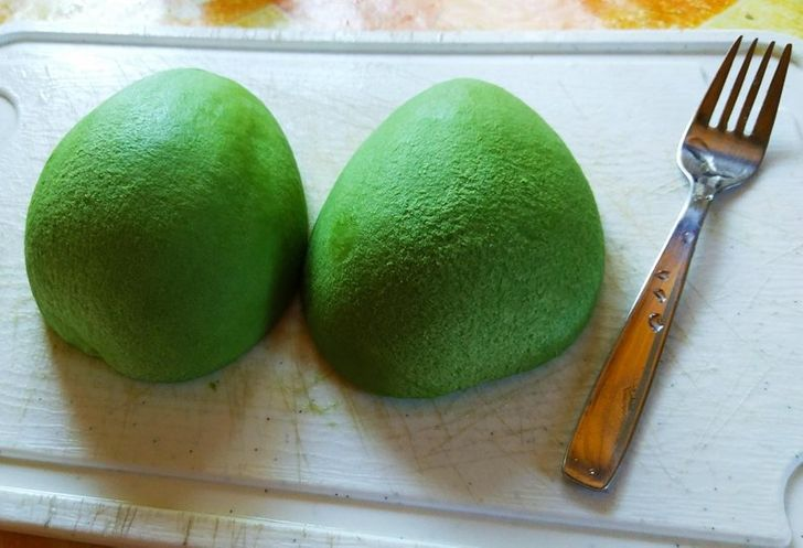 15+ Fruits Without Their Peel That Will Add Some Perfection to Your Feed