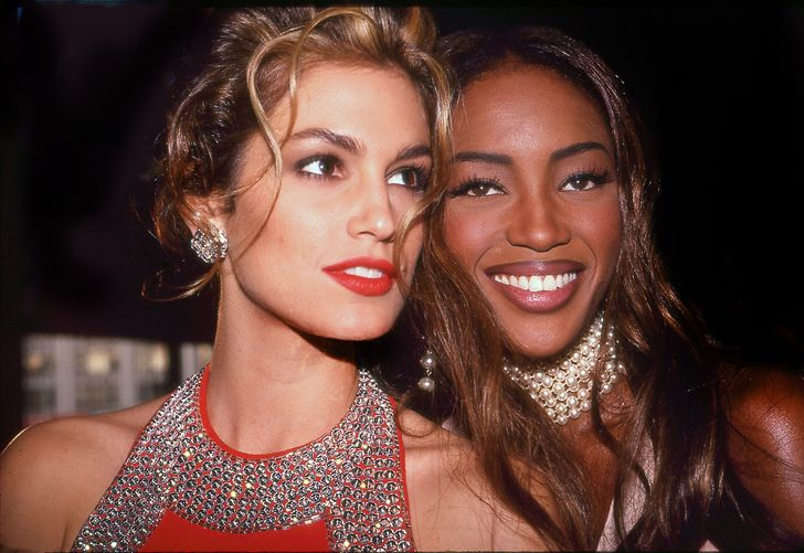 24 Rare Celebrity Photos From the 90s That Show Touching and Sincere Moments in Their Lives