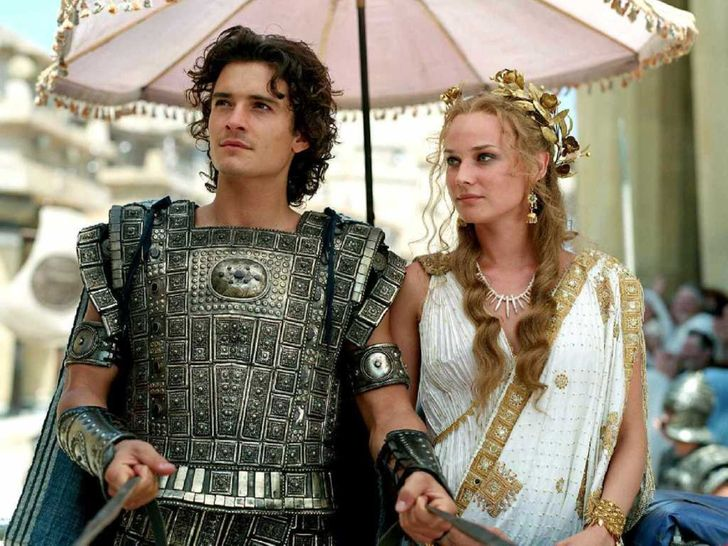 Ridiculous Mistakes inHistorical Movies That Went Unnoticed Even byPicky Fans