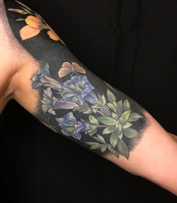 An Artist Covers Her Clients With Blackout Floral Tattoos That Look Like Fancy Clothing