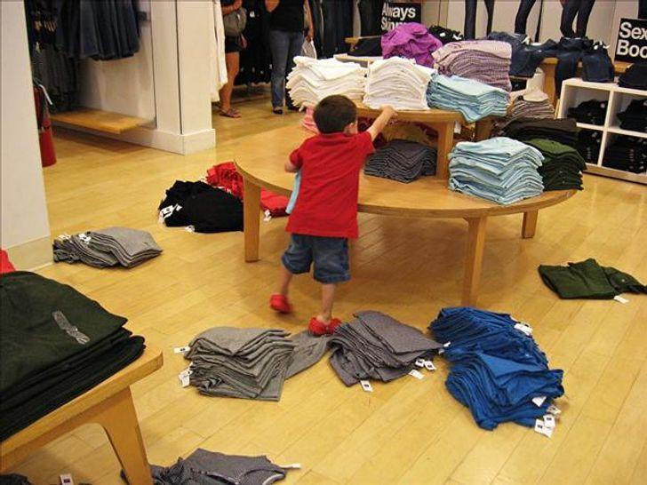 20Photos Proving That Wherever Kids Go, Destruction Follows