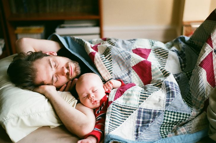 20Сute Photos ofHappy Dads and Their Babies