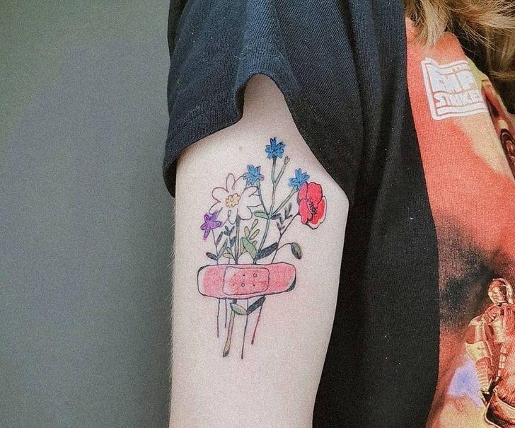 17 ľudí, ktorí nosia svoje tetovanie dôstojne vďaka živému príbehu, ktorý sa skrýva za nimi