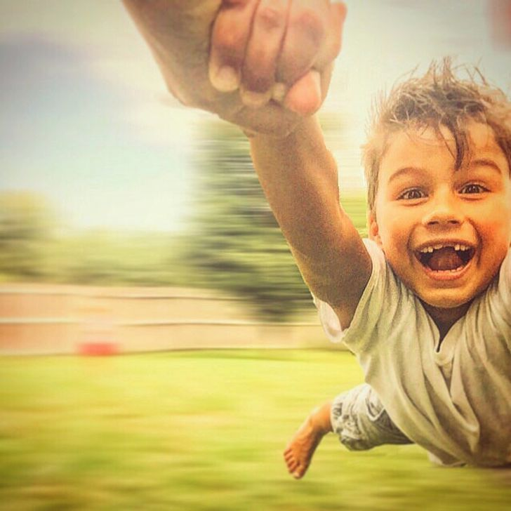 24People Captured onCamera atthe Peak ofTheir Happiness