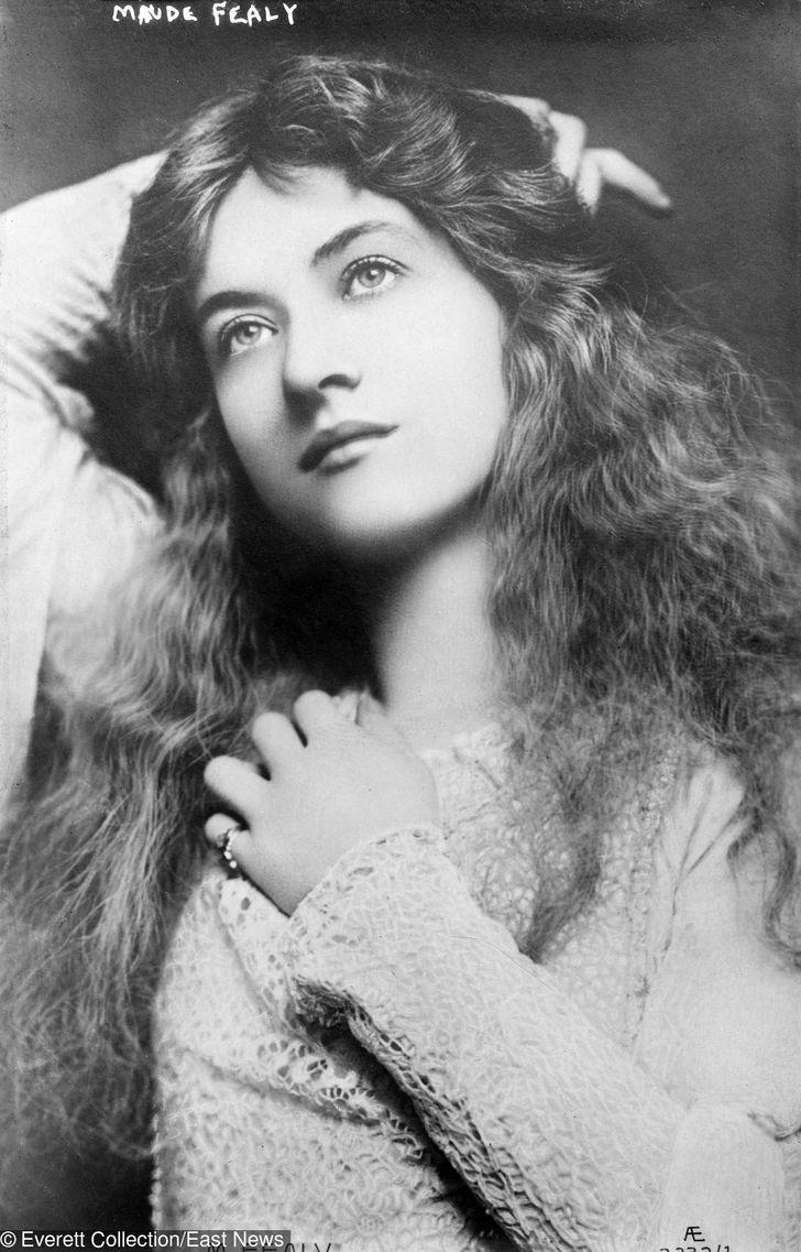 100-Year-Old Photos ofthe Most Beautiful Women ofthe Last Century
