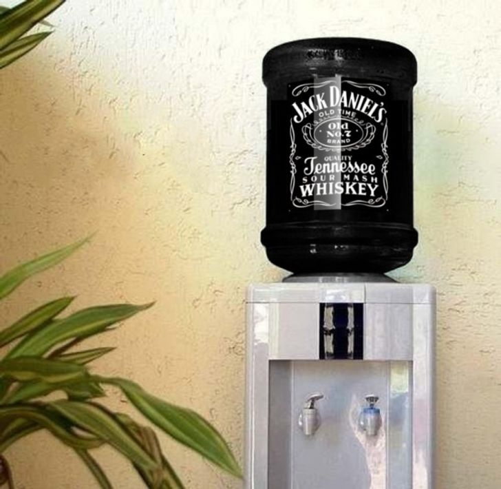20Ingenious Inventions That Will Brighten Your Office Life