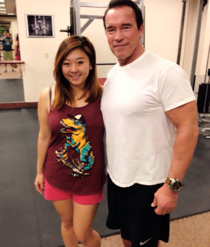 19 People That Accidentally Met a Celebrity and Took a Photo
