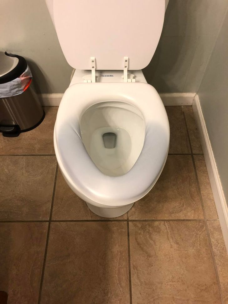 Why Some People Suddenly Turn Their Toilet Seat Blue