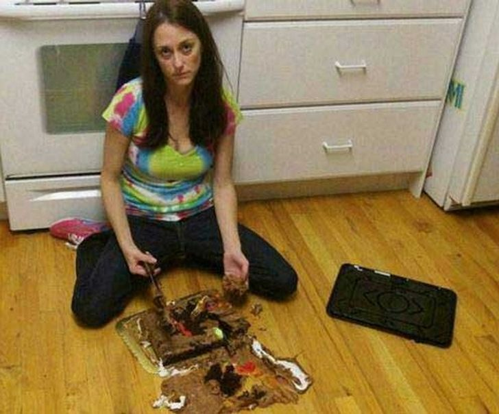 21People Who Really Need toStay Out ofthe Kitchen