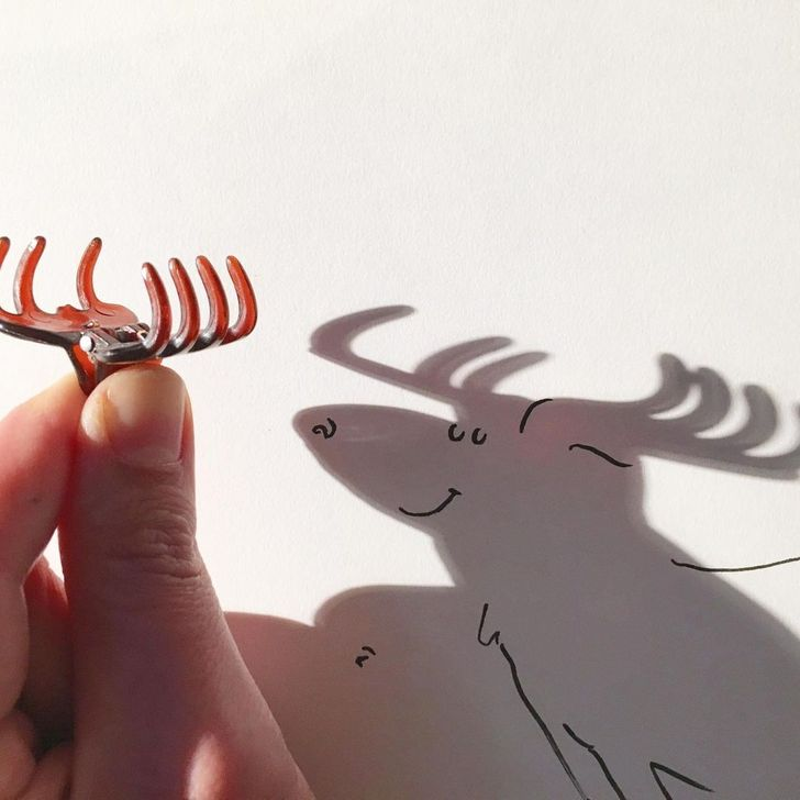 A Belgian Artist Uses Shadows to Bring Objects to Life With Strokes of Genius