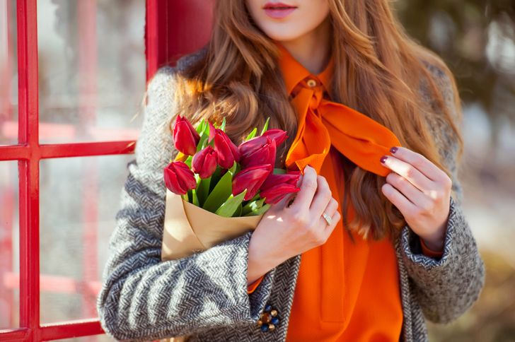 How does the color ofyour clothes affect your mood?