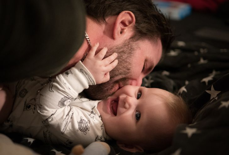 11 Ways Fathers Can Bond With Their Newborns Even Though They Didn't Carry Them for 9 Months
