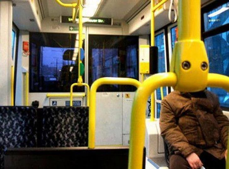 20Photos ofCoincidences That Are Hard toBelieve