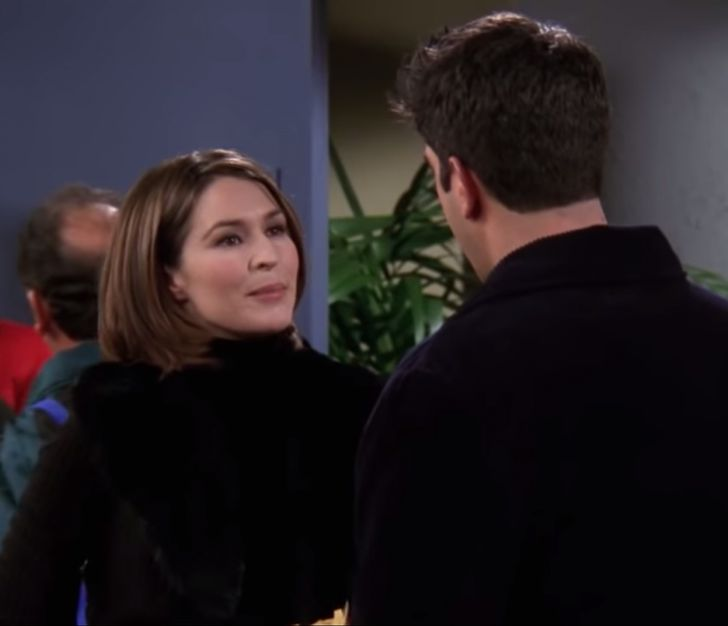 """7 Relationship Lessons That Slipped Under Our Radar While Watching """"Friends"""""""