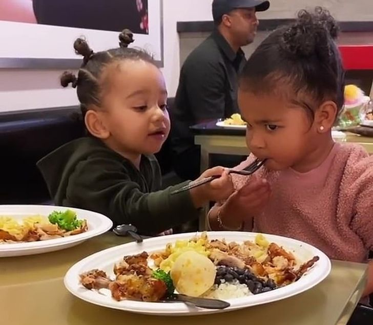 Parents Who Have Their Kids Eat Dinner at 3 P.M. Explain Why It's One of the Best Ideas Ever
